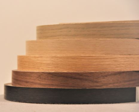 waves gelakte fineerkant 0.6x24mm walnut natural 50m/r